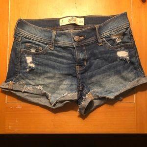 Hollister Jean Low Rise Short Shorts